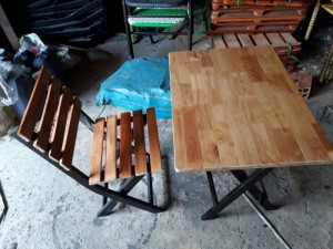 Bàn ghế gỗ dành cho quán nhâu, quán cafe giá rẻ