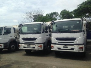 Bán xe bồn trộn FUSO nhập khẩu thể tích 7 khối giá tốt liên hệ