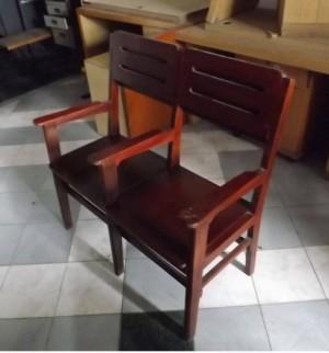 Ghế đôi gỗ liền nhau