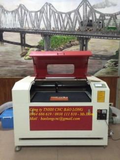 Máy cắt vải laser 6090, máy cắt vải gia công, máy khắc dấu laser 6090