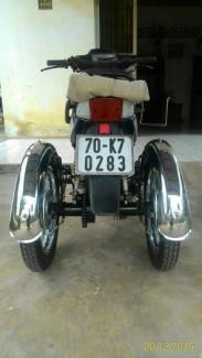 Xe 3 bánh dành cho người già , người khuyết tật