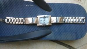 Đồng hồ  Nữ hiệu  giá tốt .