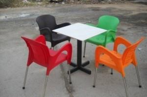Cần thanh lý gấp 100 bộ bàn ghế cafe sân vườn giá rẻ
