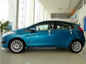 Ford Fiesta Sport 5 cửa, số tự động, chỉ 150...