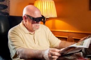 Chức năng hỗ trợ nhỉn xa: Kính hỗ trợ nhìn xa Zoomies được làm từ nhựa ABS có độ bền cao và không gây hại đến sức khỏe khi dùng. Với thiết kế thông minh giúp hỗ trợ bạn nhìn xa giống như 1 chiếc ống nhòm, sản phẩm cực kỳ tiện ích trong các chuyến du lịch dã ngoại. Bên cạnh đó kính còn hỗ trợ người già, người cao tuổi khi đọc sách, báo...