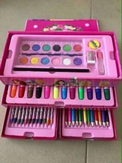 Hộp bút chì màu cho bé