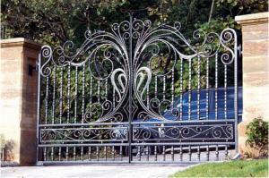 Cổng sắt rèn nghệ thuật đẹp