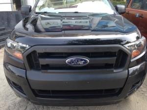 Bán Ford Ranger XL 4x4 MT, Màu đen, giao xe toàn quốc, khuyến mại tốt nhất miền bắc