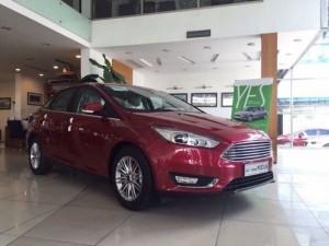 Bán Ford Focus 1.5 Titanium màu đỏ, giá...