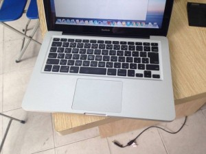 Bán Macbook MB466 | HDD 160GB SATA