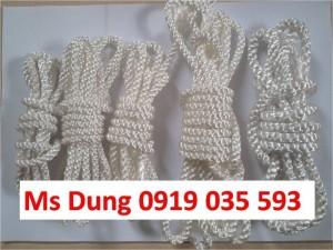 Ms Dung chuyên cung cấp cuộn chỉ lưới, cuộn chỉ nhựa PE cho sân bóng, sân tennis