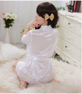 Đầm ngủ khoác phi bóng màu Trắng quyến rũ - ĐN02