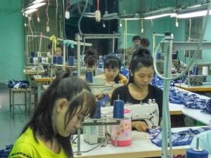 Xưởng may gia công Trang Trần - chuyên may quần áo cao cấp