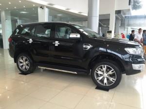 Bán Ford Everest mới, KM khủng, đủ màu giao xe toàn quốc. Mrs Thương