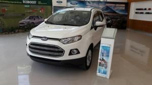 Ford Ecosport Titanium màu trắng, SUV sinh ra...