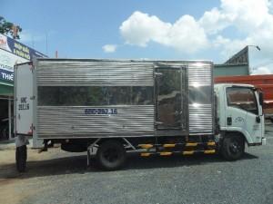 Bán xe tải Isuzu NMR85H 1.9 tấn, giao xe toàn quốc +++ miễn phí trước bạ
