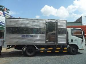 Xe tải isuzu NMR85H 1.9 tấn nhập khẩu