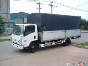 Xe tải Isuzu kèo phủ bạt NQR75L 5.5 tấn