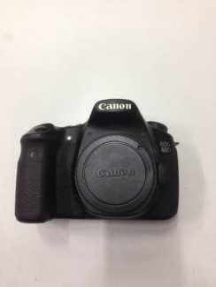 Canon 60d body 90%