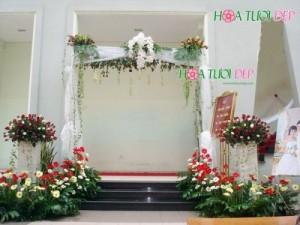 Cổng hoa cưới sang trọng lịch sự - CHC017