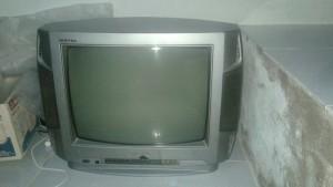 Tivi đang sử dụng cần bán lại