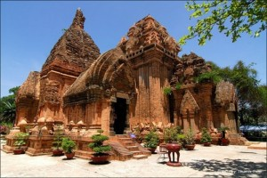 Bạn muốn đến Nha Trang, hãy liên hệ ngay với...