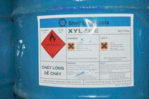 Xylene, C8H10, dung môi sơn, sản xuất thuốc trừ sâu, keo dán cao su