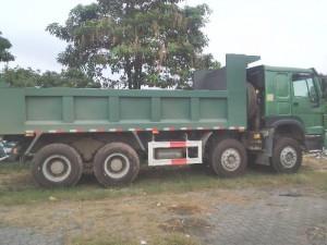 Bán xe tải ben 4 chân howo thùng vuông nhíp bó tải trọng cao