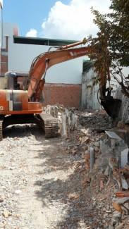 Chuyên cung cấp dịch vụ tháo dỡ các công trình xây dựng, nhà phố