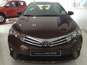 Toyota Altis 1.8 số tự động,giao xe ngay