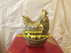 Tượng gà mái đẻ trứng vàng