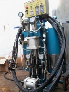 Cung cấp máy phun PU FOAM ( bảo ôn kho lạnh tàu biển )