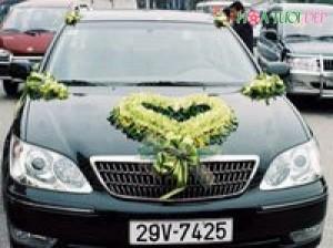 Mẫu hoa trang trí xe cưới cực ấn tượng - XH004