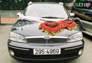 Mẫu hoa trang trí xe cưới đẹp - XH008