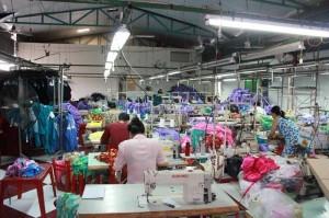 Xưởng may quần áo giá rẻ Sài Gòn