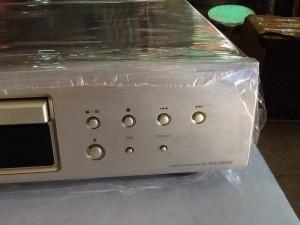 Bán chuyên  CD Denon 500AE hàng  mới ,đẹp long lanh .