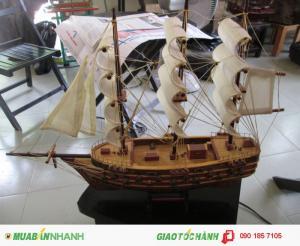 Thuyền buồm trắng