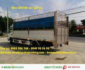 Xe Hino XZU730 5 tấn chở gia súc