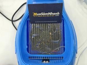 - Đèn hoạt động theo cơ chế thông minh dựa vào việc định vị mục tiêu của muỗi tác dụng thu hút và