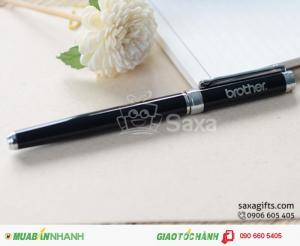 Đặt bút kim loại khắc logo làm quà tặng đối tác