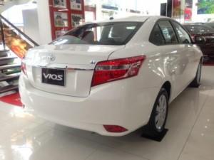 Khuyến Mãi Toyota Vios 2017 Số Sàn màu trắng...