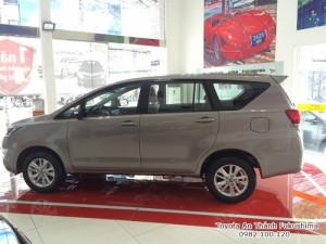 Khuyến Mãi Toyota Innova 2017 Số Sàn,màu đồng ánh kim. Nhận Ngay Xe Chỉ 140Tr, Vay 8 Năm Trả Góp 11,8Tr/tháng