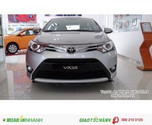 Toyota Vios 1.5E, máy xăng, số sàn, dung tích 1.5L, Động cơ VVTi, DOHC, 4 xy lanh thẳng hàng, 16 van. Gọi ngay cho 0982.100.120 để được tư vấn và nhận ưu đãi trả góp, khuyến mãi cùng nhiều quà tặng hữu dụng khác
