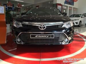 Khuyến Mãi Toyota Camry 2.5Q 2017 Màu Đen Sang Trọng, Mua Trả Góp Trọn Gói Chỉ 450Tr. LH 0982.100.120