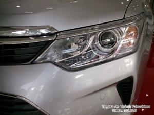 Khuyến Mãi Toyota Camry 2.5Q 2017 Màu Bạc, Mua Trả Góp Trọn Gói Chỉ 460Tr.