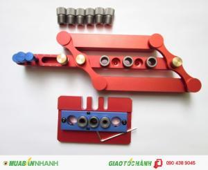 Bộ dụng cụ kết hợp cho tính năng khoan chốt gỗ KMT: bộ dưỡng khoan thẳng vào mép tấm gỗ.