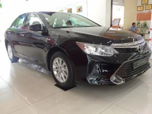 Khuyến Mãi Toyota Camry 2.0E 2016 Màu Đen 100Tr, Mua Trả Góp chỉ cần 360Tr. Xe Giao Ngay LH 0982.100.120