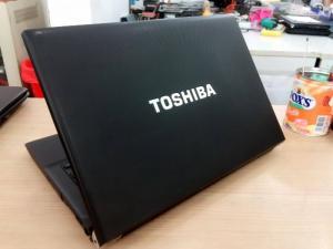 Cần bán máy tính Toshiba Core i5 giá tốt