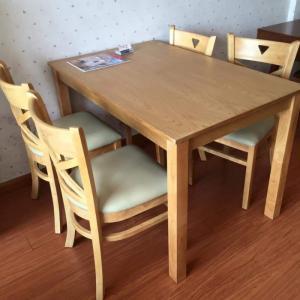 Bàn ghế nhà hàng giá rẻ