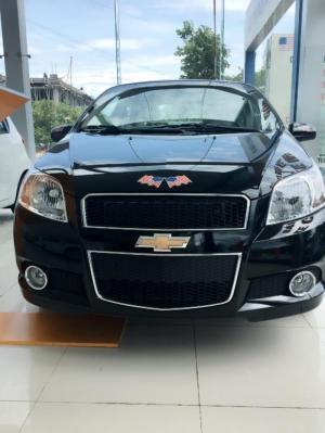 Bán xe Chevrolet Aveo LTZ 2016, màu đen, khuyến mãi 30T